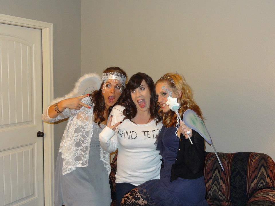 Halloween Party ghetto w/ my girls