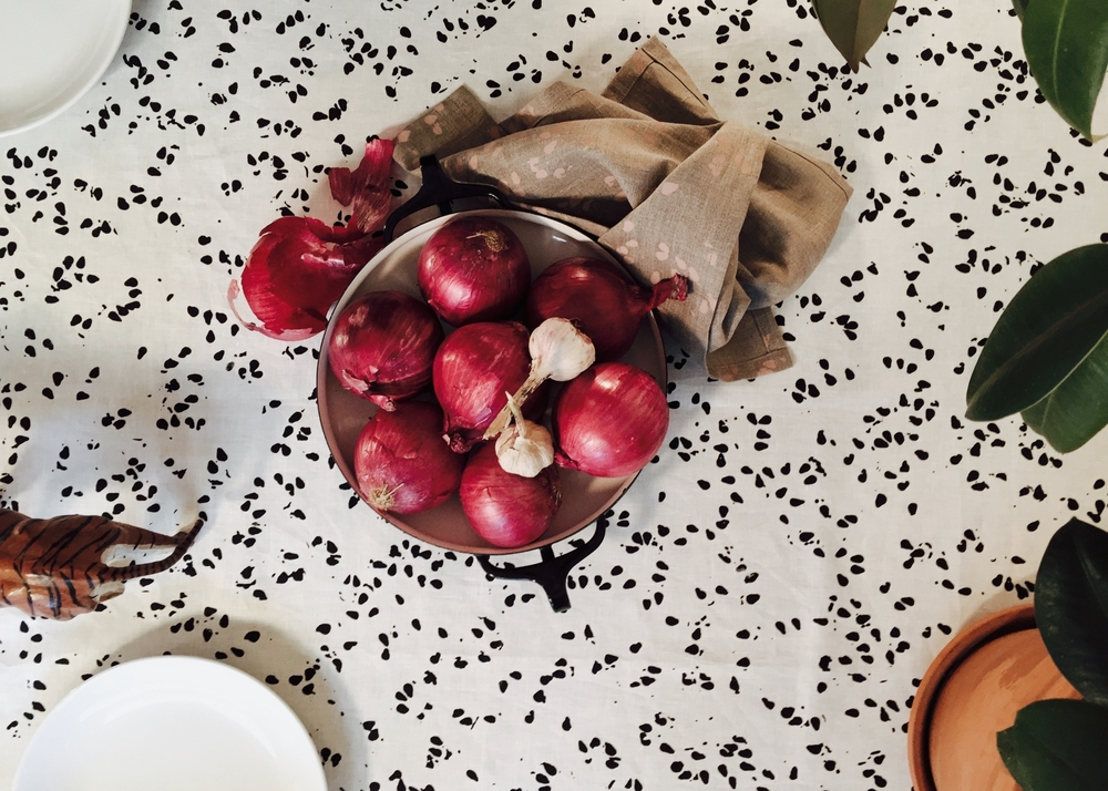 SEEDS, tablecloth in Salt & Pepper