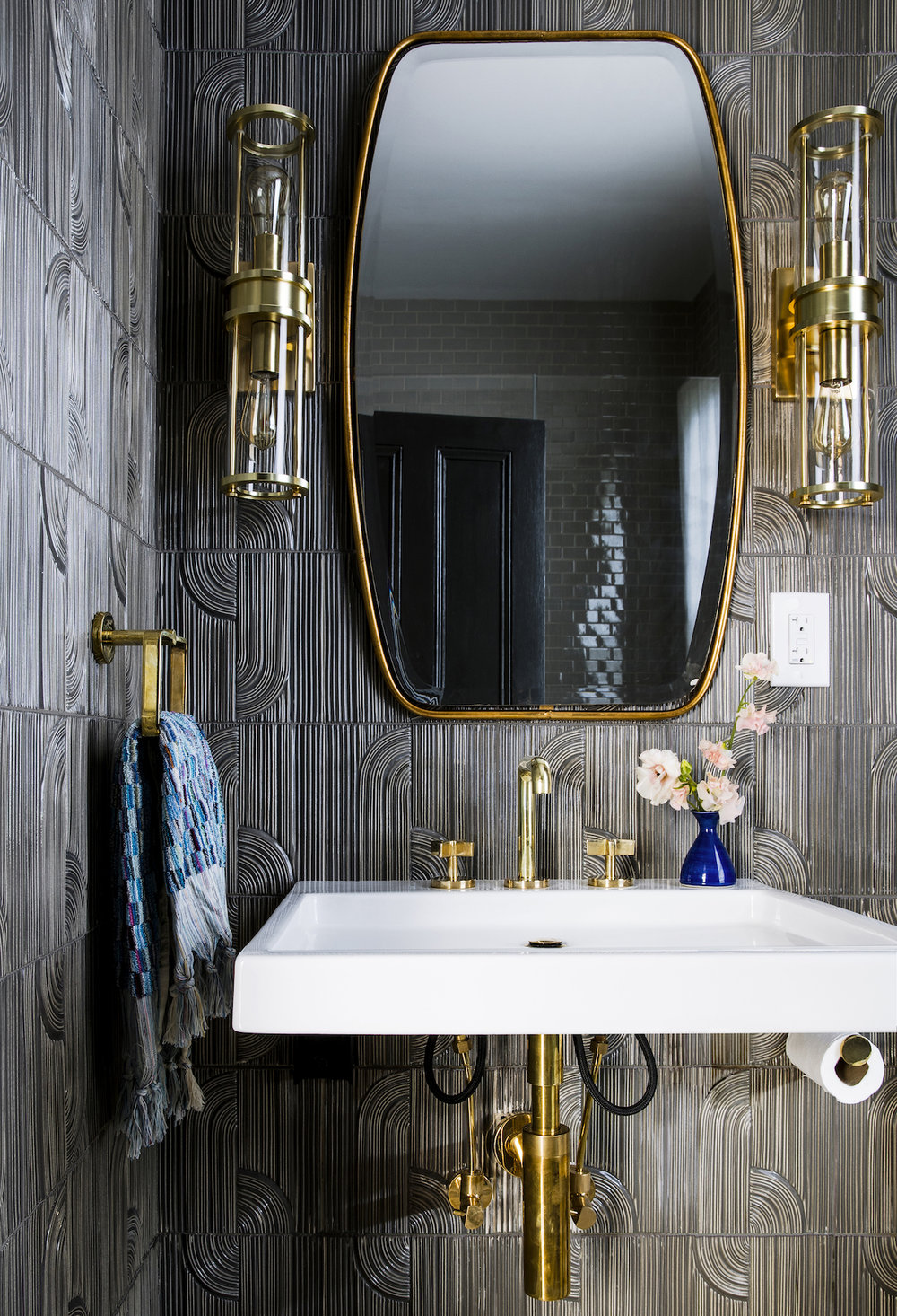 Lynn K. Leonidas | Willow Guest Bathroom
