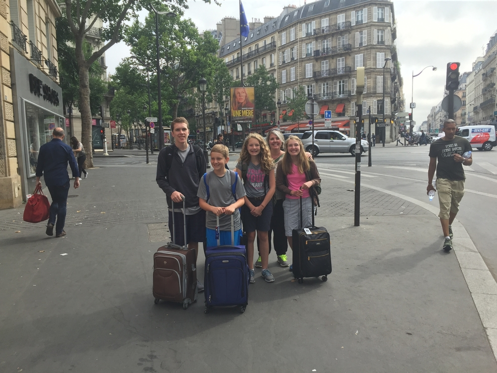 Trekking to the Paris train station