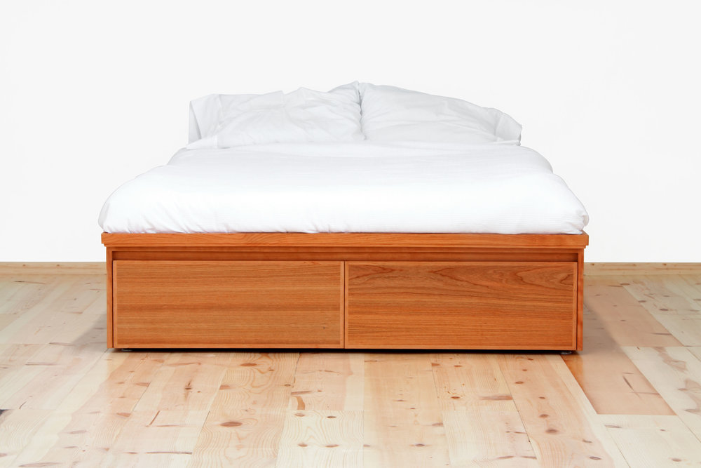 Bed_Avers_without side tables_contemporary_front_red.jpg