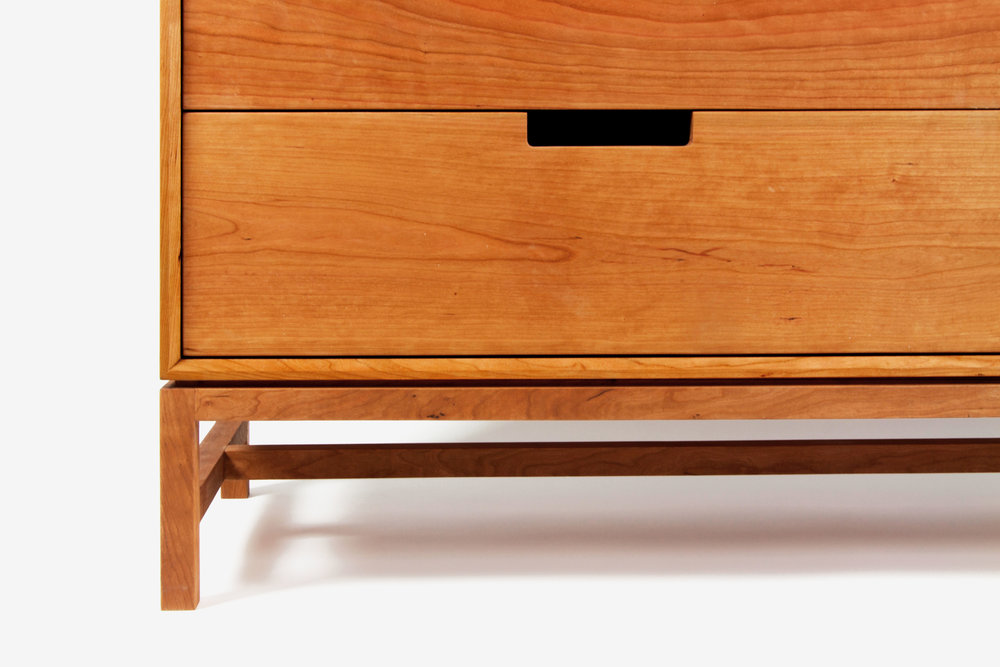 Forde Wideboy Dresser_Contemporary_Cherry_detail_4.jpg