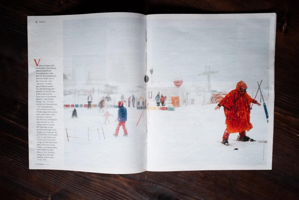 … echt sind Küsse. Tränen. Und dieses grässliche Gefühl von dem Mann in Rot. Die Skier kriegt er nicht mehr parallel. Gleich kippt er um. Echt.