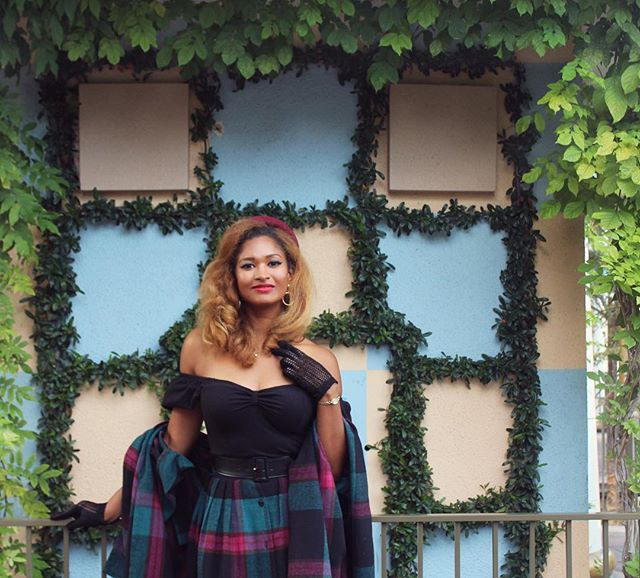 #tbt to last Dapper Day! I can't wait for this weekend! So many vintage things to look forward to (but still need to decide what shoes to wear)! #dapperday #disneyland #vintage #truevintage #truevintageootd #vixenbymichelinepitt #vintageplaid #vintagegirl #disneydapperday #falldapperday2017 #falldapperday