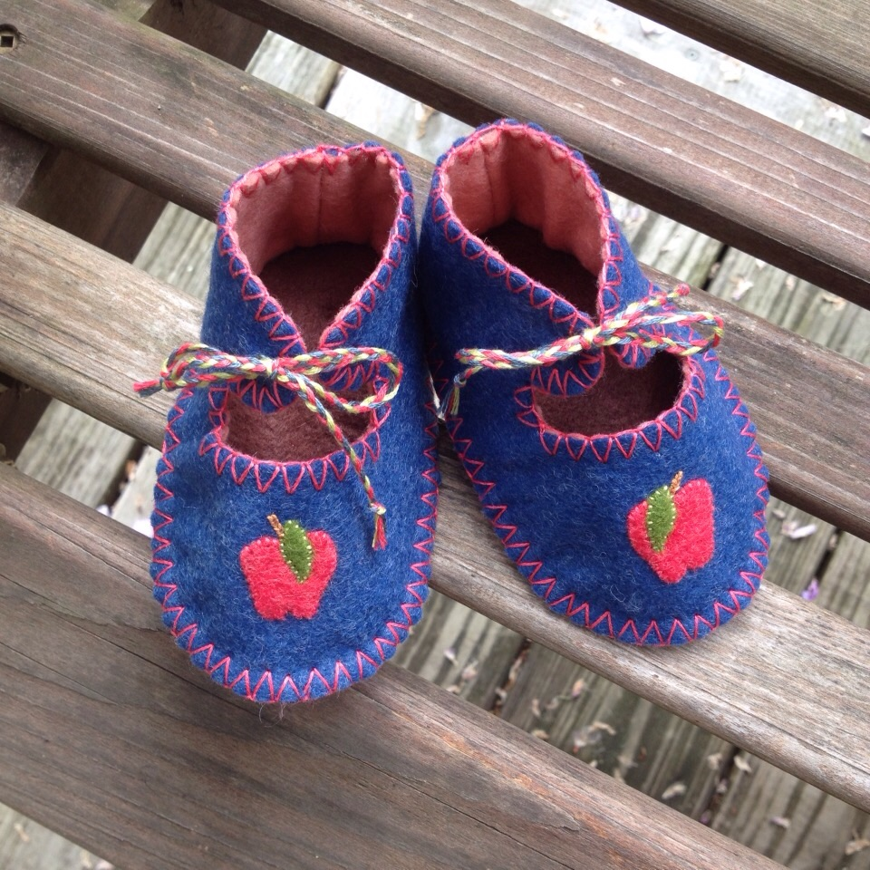 I also have been working through my stacks of wool I cut up.   These are booties are available here.