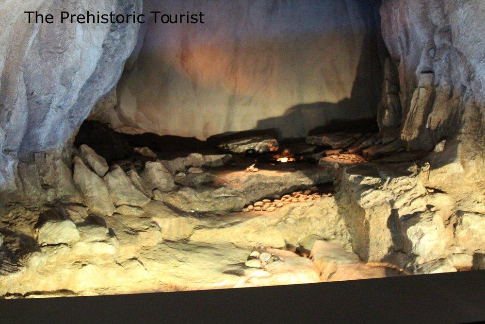 A replica of Baume Bonne cave inside the museum