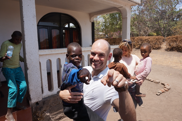 Graham and Alex took gifts of pens, pads and pencils etc to the light of Africa orphanage on their final day.