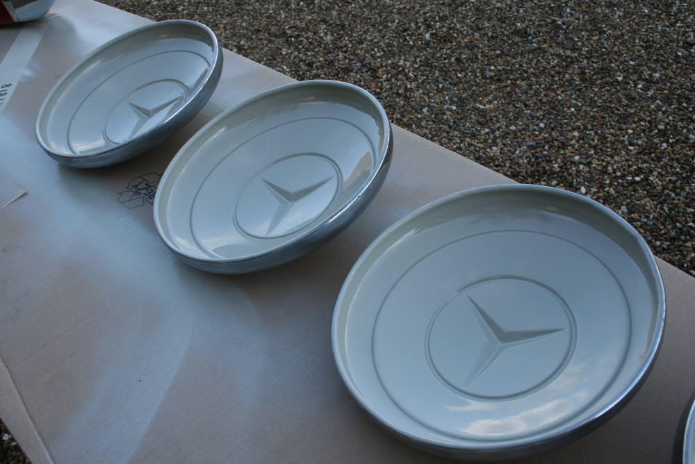 after chroming, hubcaps are painted inside in the correct beige anti corrosion finish