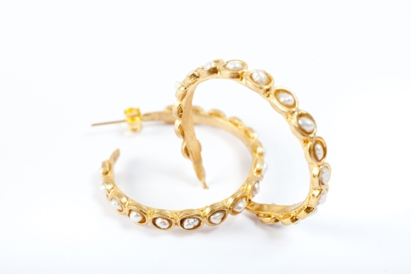 Pearl Loop Earrings in Gold   £50.00