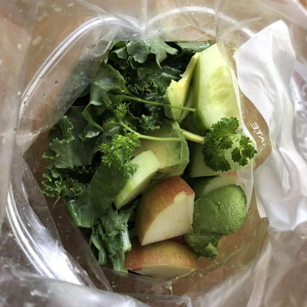 Freezer Smoothie Bags    This is a time saver in the mornings. Batch x5 portions and grab and blend when you need.    Ingredients : x1 bag of spinach/kale + 5 apples +handful of parsley + x3 avocados +x1 cucumber + 1 courgette.  Step 1: chop it all up and then equally put into x5 freezer bags  Step 2: Once you've blitzed your smoothie bag add some additional fats in there, eg - coco oil/hemp seeds/pumpkin seed butter