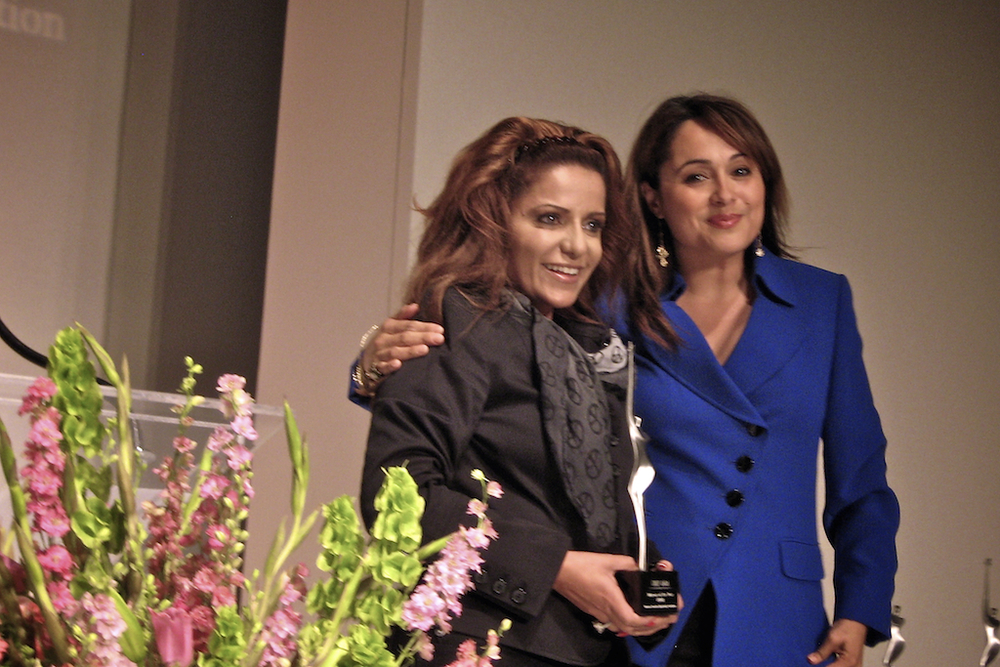 woman-of-year-award-20090512-cheflala-02.jpg