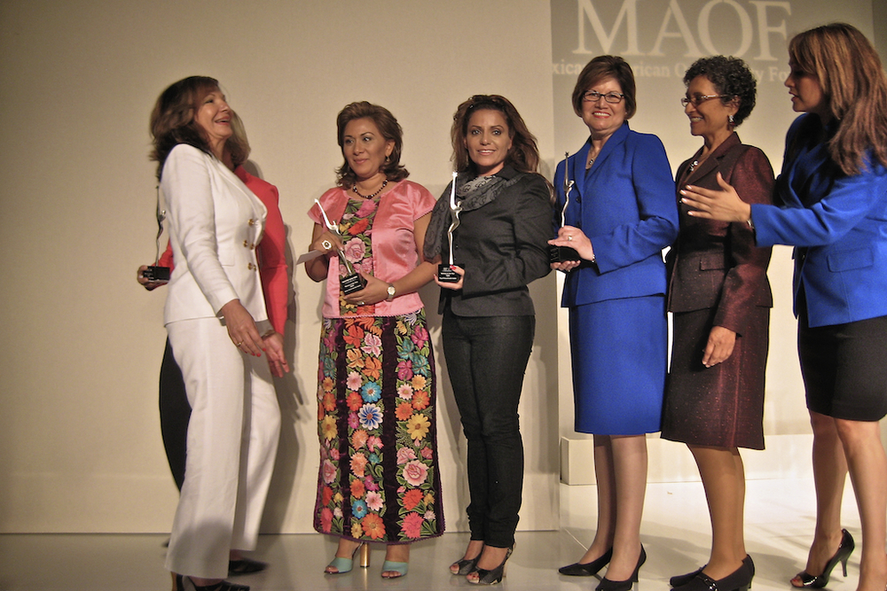 woman-of-year-award-20090512-cheflala-03.jpg