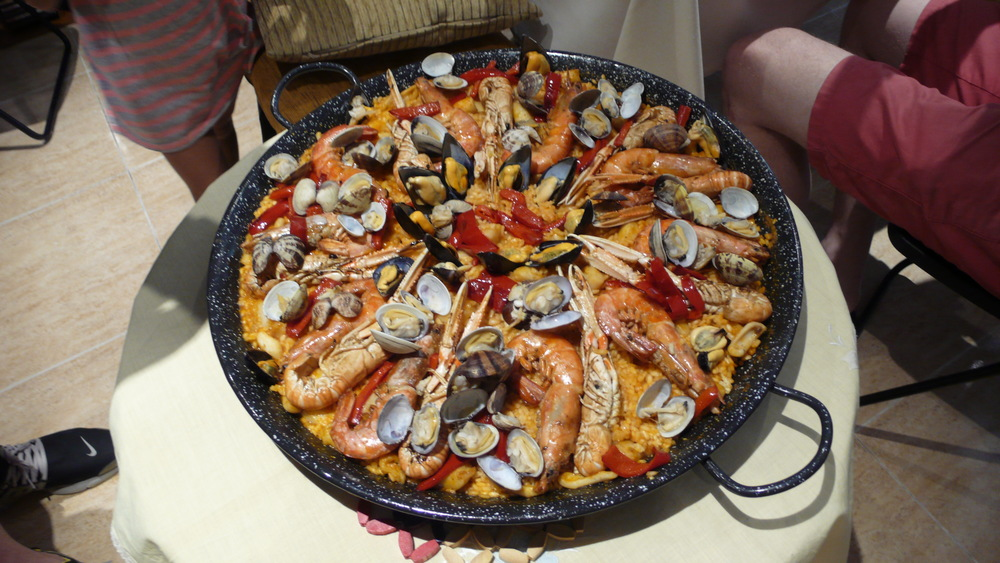 The result - a beautiful Seafood Paella!