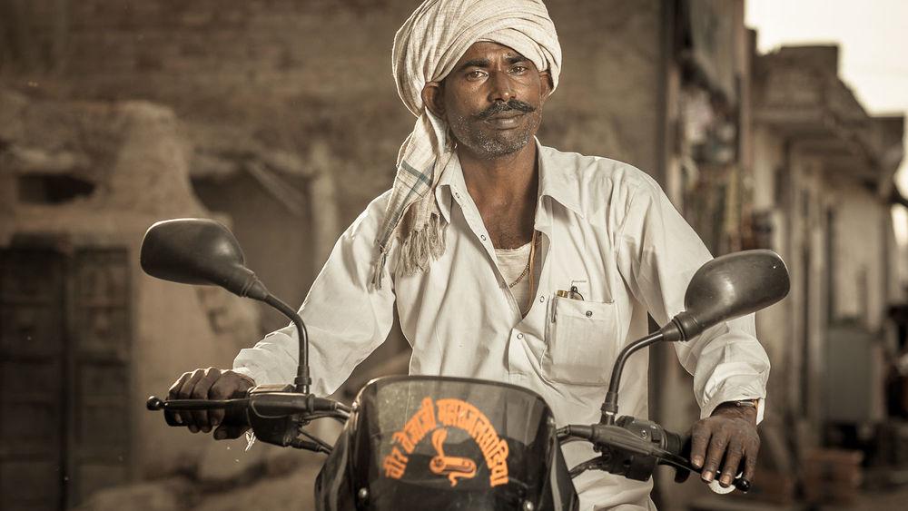 Motorcycle man, Pachewar