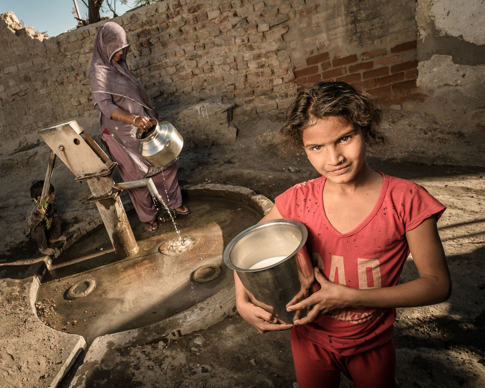 At the water well, Pachewar