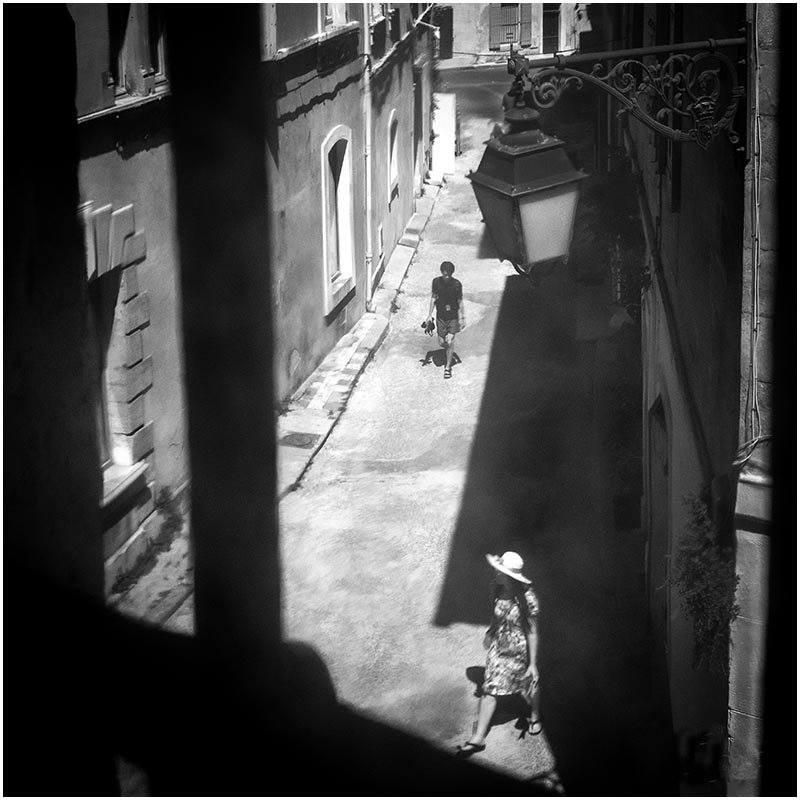 Eens ik mijn compositie gemaakt had, was het enkel wachten tot mensen op het juiste moment op de juiste plek in beeld kwamen. © Stichting Willem Wernsen Fotografie