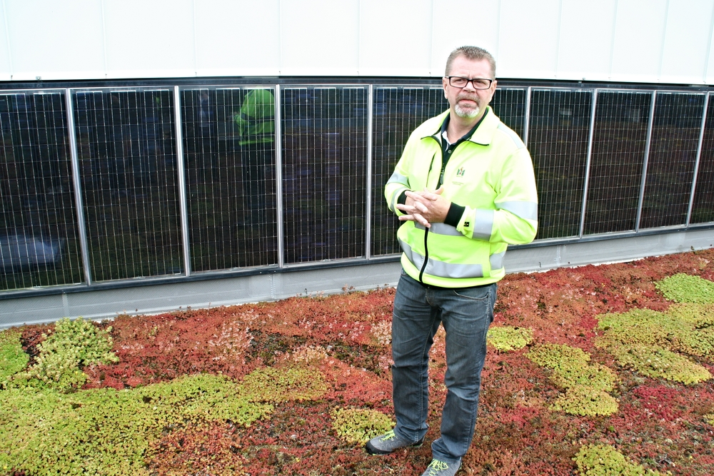 Solar facts and maintenance. Percy Borgström, Head of Solar maintainence at Malmö City Council.