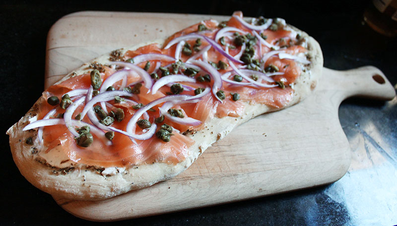 everything-bagel-flatbread