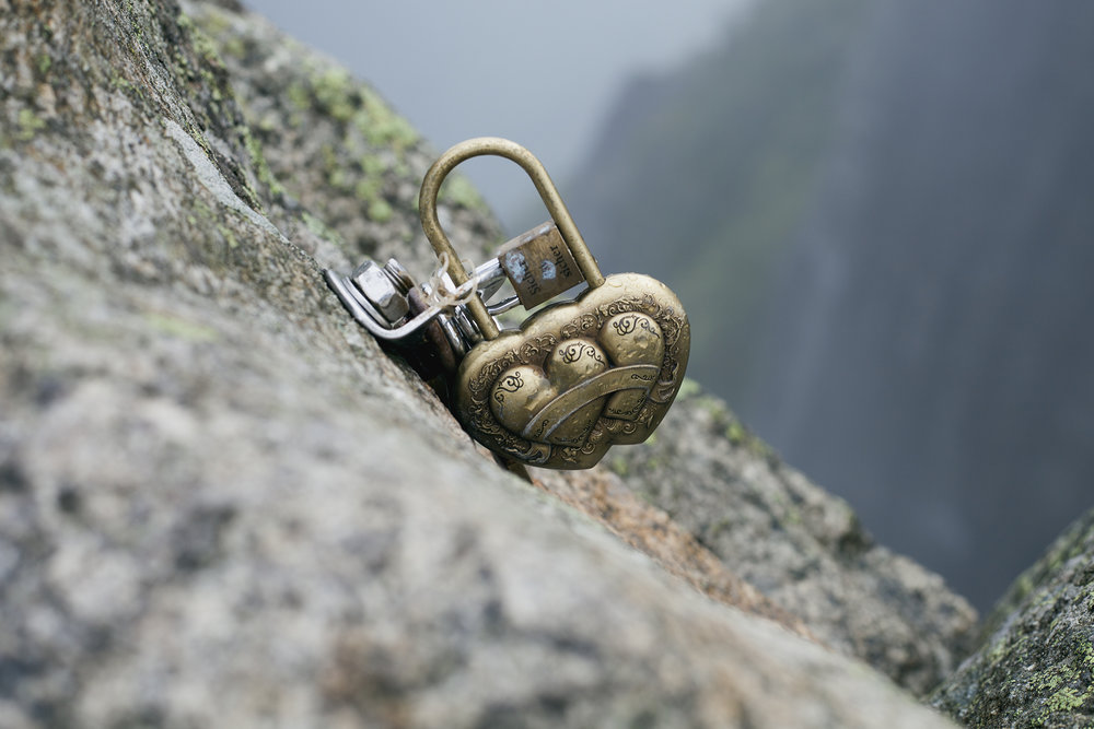 Oslo norway pulpit rock love lock web.jpg