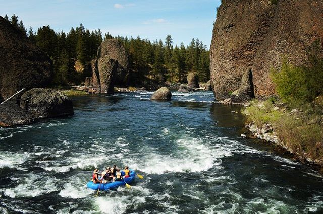 Riverside state park is calling, and we must go! Cold water trips start in April on the Spokane River through #bowlandpitcher 🌊 visit our website for info! #riversidestatepark #devilstoenail #visitspokane #optoutside #liveoutdoors #upperleftusa #pnw #spokaneriver #spokane #rafting #whitewater #spokanedoesntsuck #wileywaters #wileyewaters #washington #drawntowater