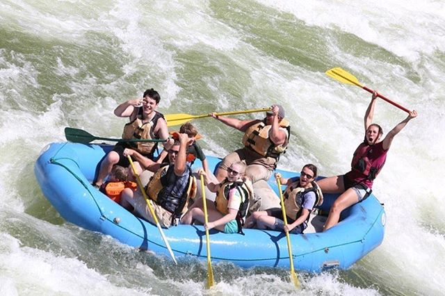 As we only have a couple more weeks left of white water rafting on the Spokane river, Clark Fork trips start in just 3 weeks!☀️ Make sure to check our website (link in bio)  and sign up now!!🛶 • • • #spokaneriver #clarkforkriver #whitewaterrafting #rafting #outdoors  #washington  #pacificnorthwest #comeraftingorwewillfindyou
