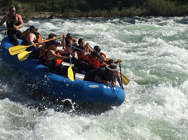 Devils Toenails has been on point this week! Make sure to book a trip now and come shred while it's ripping🌊🛶🌊#dontmissout! • • • #whitewater #whitewaterrafting #spokaneriver #spokanedoesntsuck #clarkforkriver #pacificnorthwest #smallbusiness #outdoors  #comeraftingorwewillfindyou
