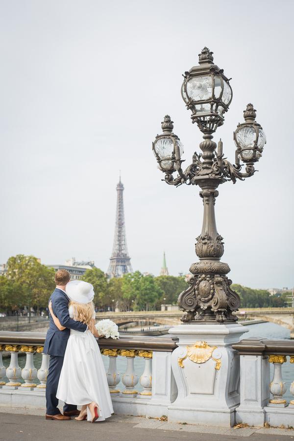 Holleman_Hill_ParisPhotographerPierre_sunriseelopementparis100_low.jpg