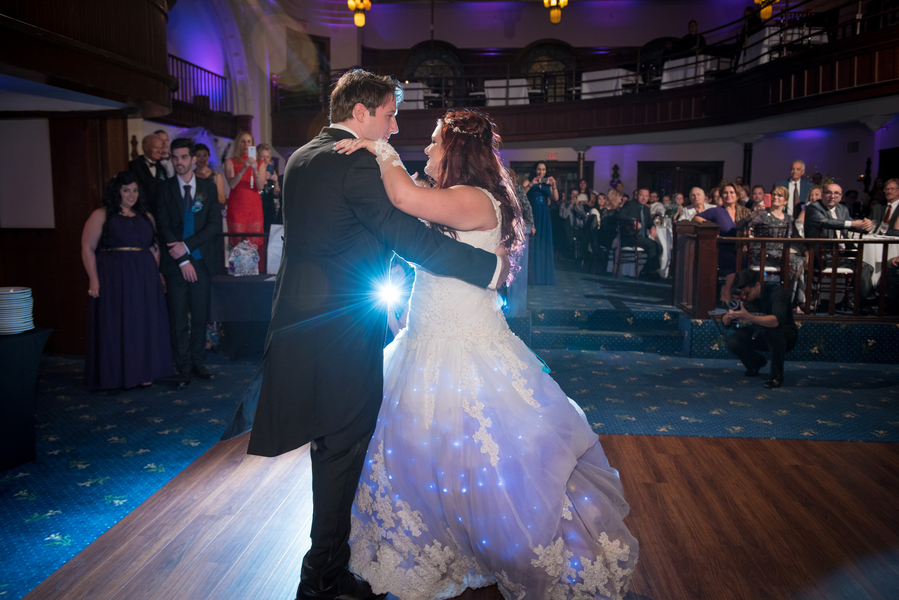 Thiemens_McCloskey_BobHoffmanPhotographyampVideo_LilyJamesWeddingHoffmanPhotoVideo717_low.jpg