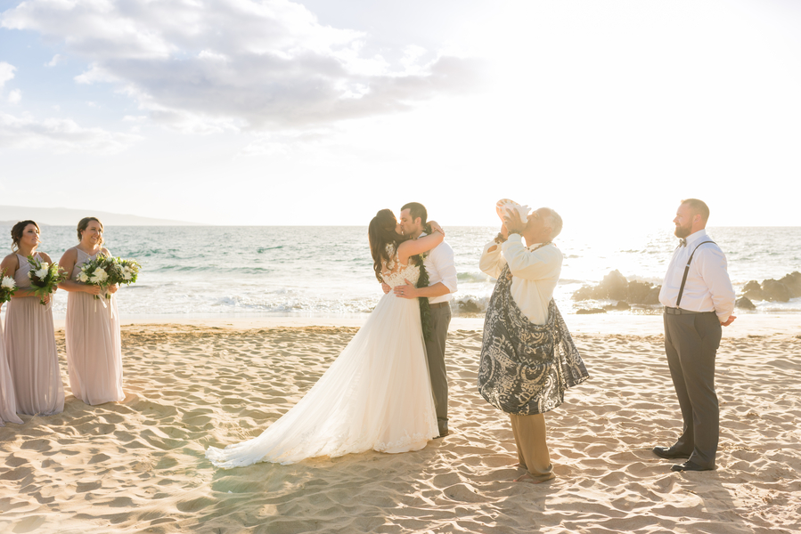 Jager_Laird_KarmaHillPhotography_mauiweddings30_low.jpg