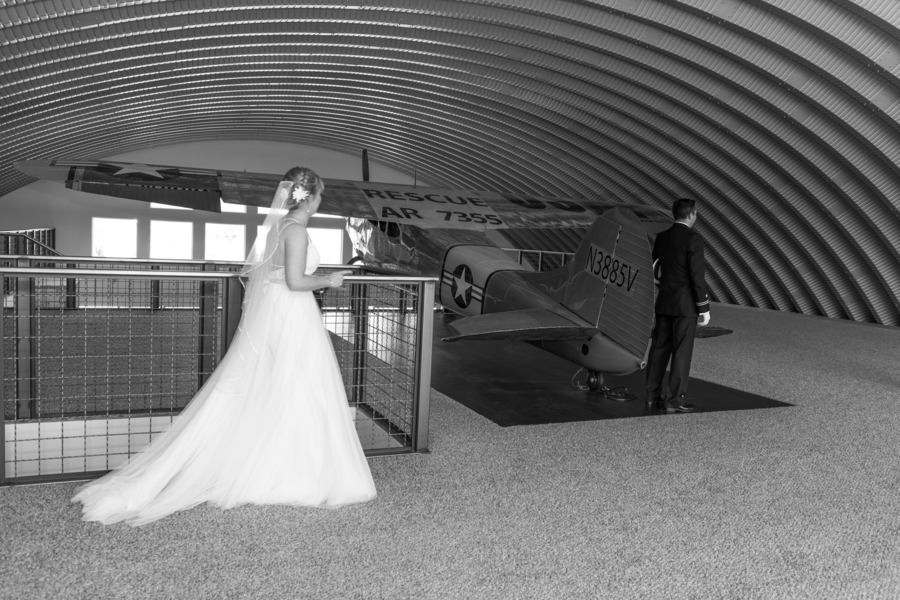 Lea_Oliva_EMRYPhotography_BrianaEricAviationVineyardsWedding0236_low.jpg