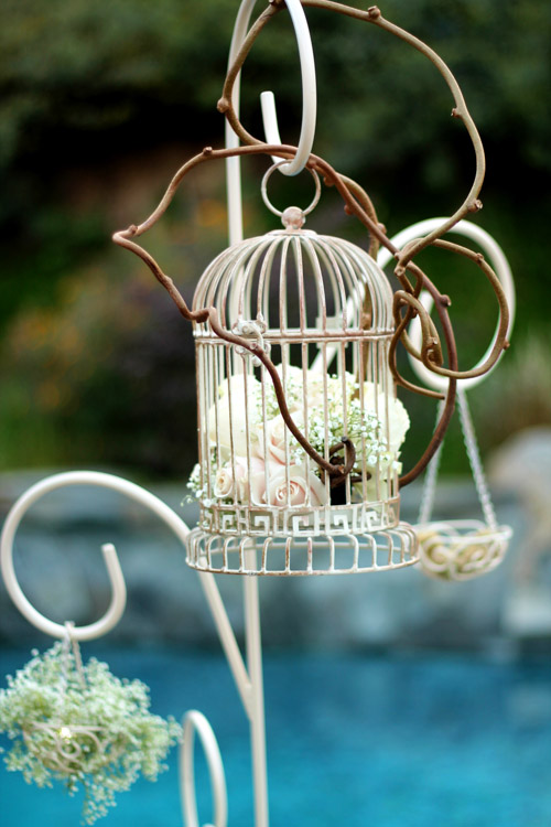 Enticing-Love-Birds-6-wedding-centerpieces-and-candelabras.jpg