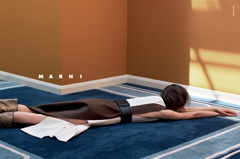 Marni-Fall-2015-Ad-Campaign01-800x1444.jpg