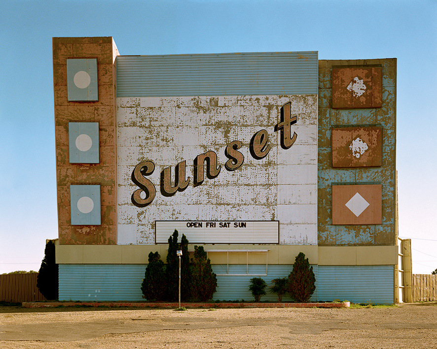 10._west_ninth_avenue_amarillo_texas_2_de_octubre_de_1974._de_la_serie_uncommon_places.jpg