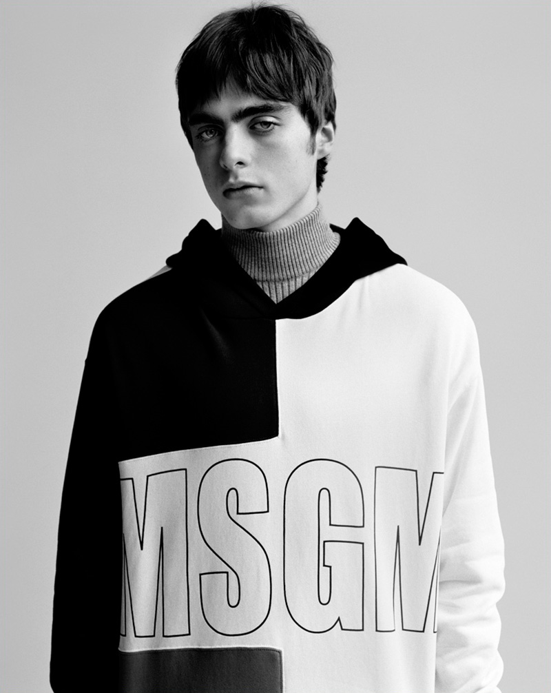 MSGM-FW17-Campaign_Behind The Blinds Magazine 01.jpg