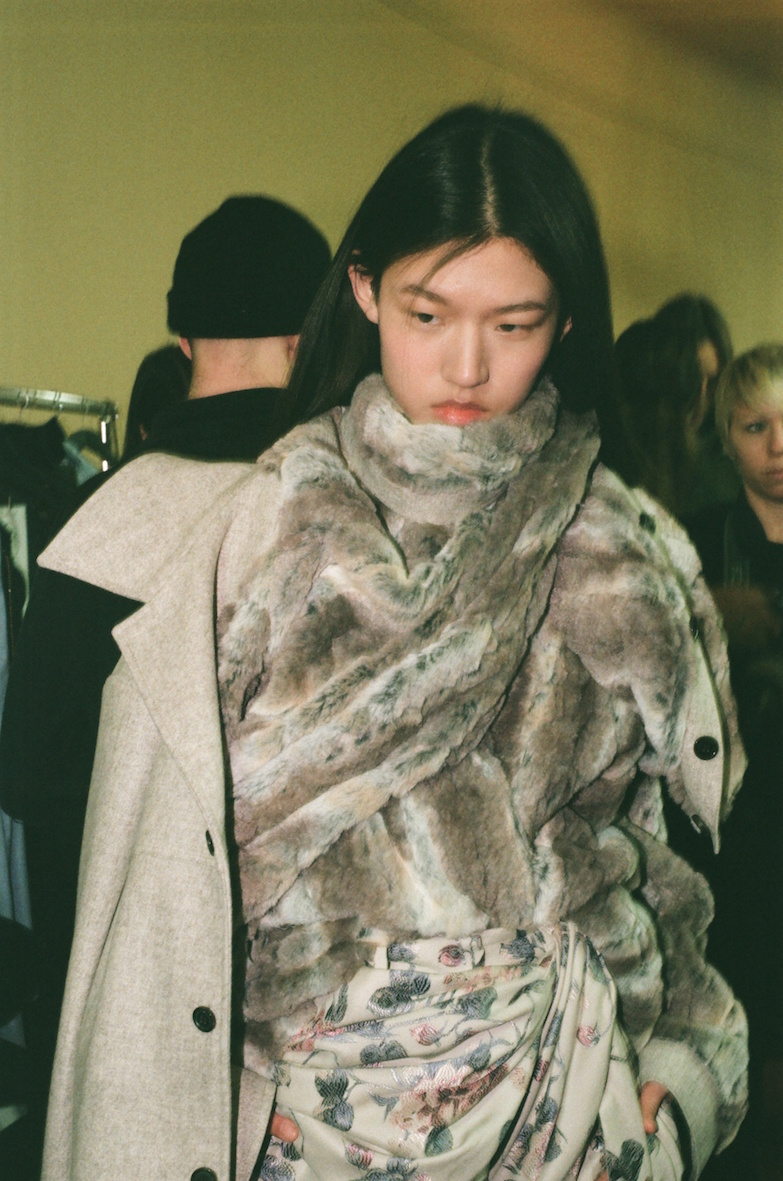 Y:Project - AW18 - Alejandro Gata 23 BEHIND THE BLINDS.jpg