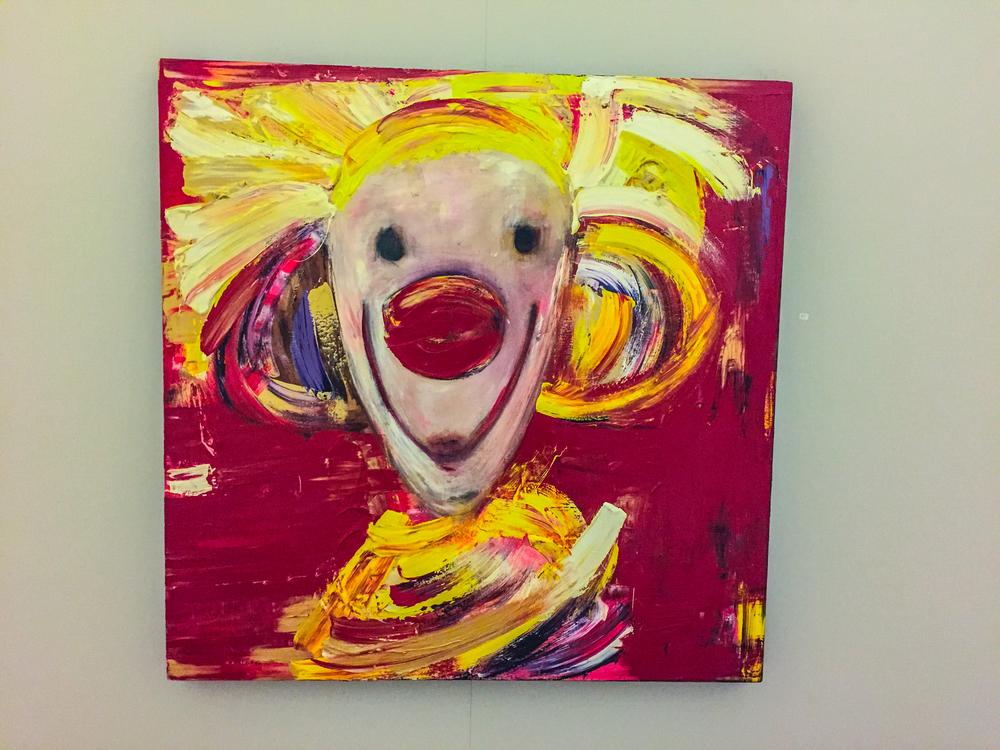 Kanskje det hjelper litt med en glad klovn når du er sjuk? Maleri: Marianne Auli.
