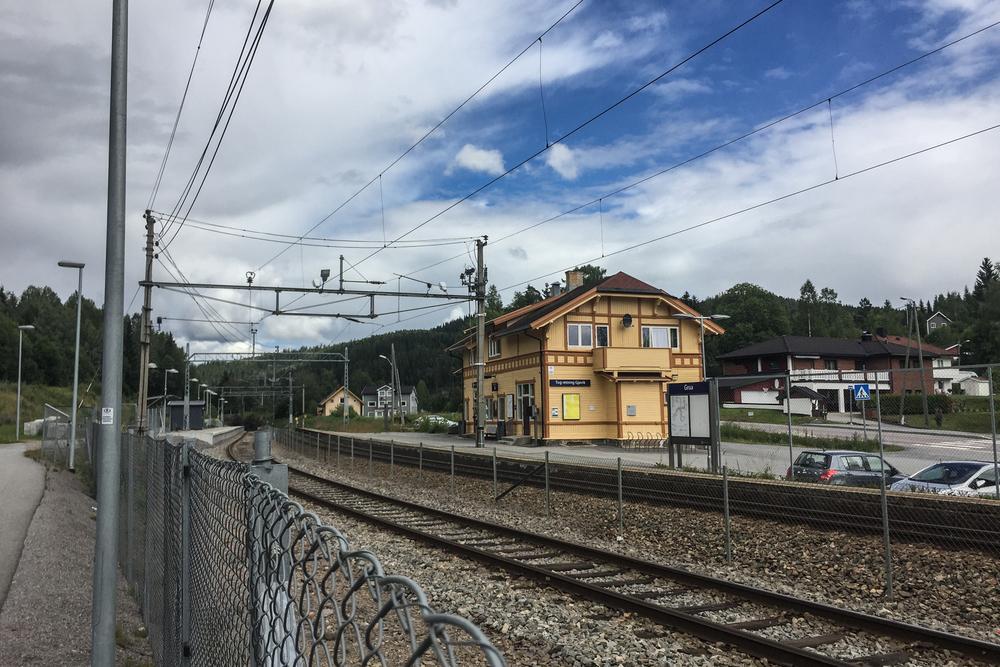 Grua stasjon er et fint sted å starte for turer i marka. Her kan du dra østover til Romeriksåsene, eller vestover opp til Mylla som jeg skal nå.