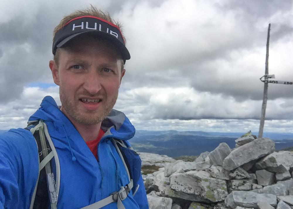 Bletoppen på 1342 moh. Løpets høyeste punkt. Nå venter gøyal løping nedover.
