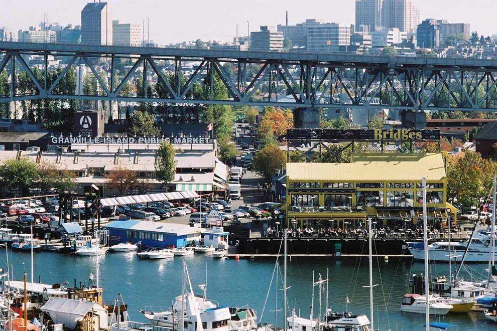 This place is called Granville Island. It has a Fine Arts university (where both Dante and I have taught in the past - Dante taught Graphics and I taught Basics of Architecture in the continuing education department. )