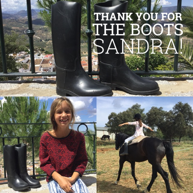 And what a lovely gift Lili received from Sandra at the end of the evening - she gave Lili the small riding  boots that we were able to borrow on the day we forgot to bring her cowboy boots. When we got home Lili washed the new boots for about half an hour in the shower and wore them at home all morning. Thank you so much!