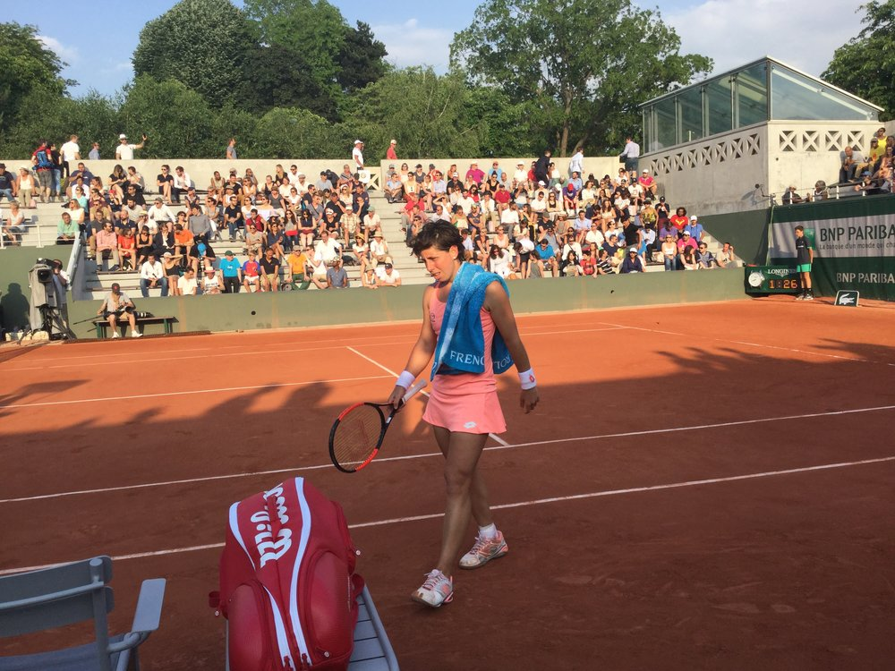 Then we saw Spain's Carla Suarez Navarro win her game against Roumanian Sorana Cirstea.
