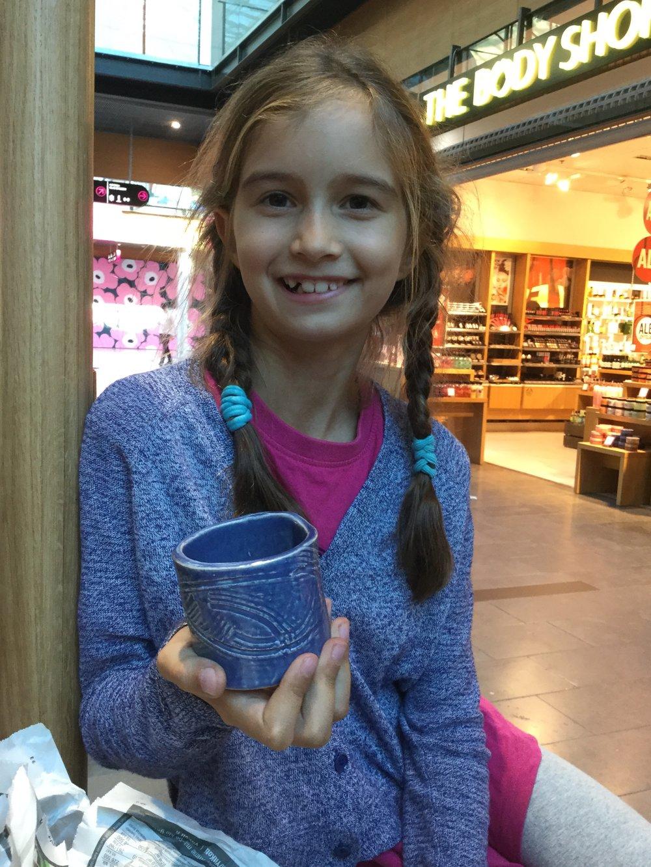 Pyöreän kupin lasite oli onnistunut hienosti! The glaze on the little bowl was very successful!