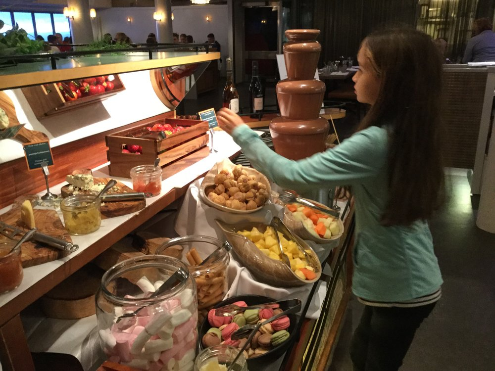 Lili at the dessert buffet on the way back to Helsinki. Mamma Mia they even had a chocolate fountain!