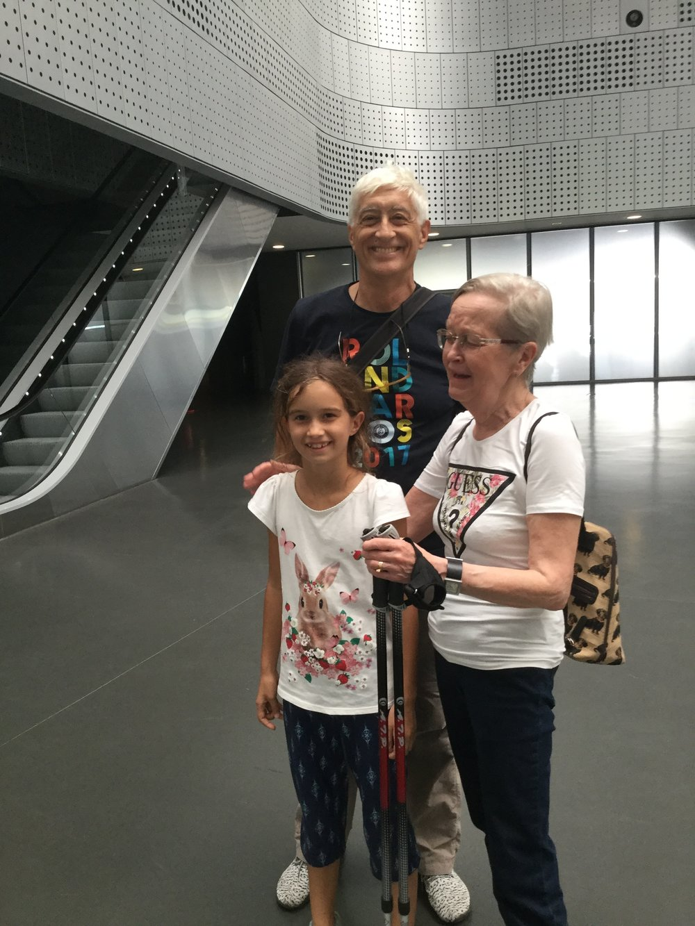 We went to see this very cool museum. In the lobby Dante, Lili and my aunt Eeva who is visiting from Finland!