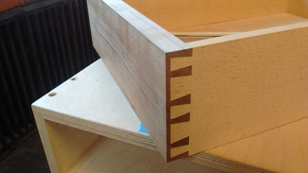 Dovetailed drawer fitting demonstration