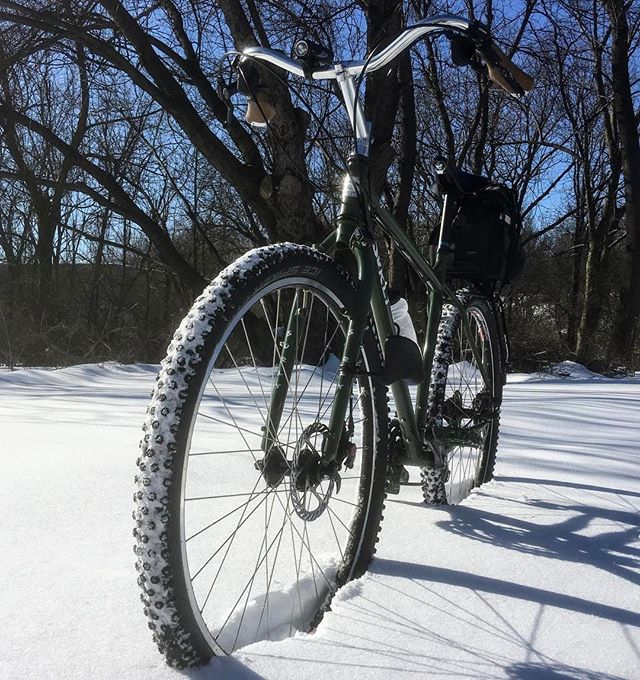 Winter commute a few days ago. Crunchy snow. Lots of falling #surlyogre #icetires #worldsworstsnowcycler #swearing