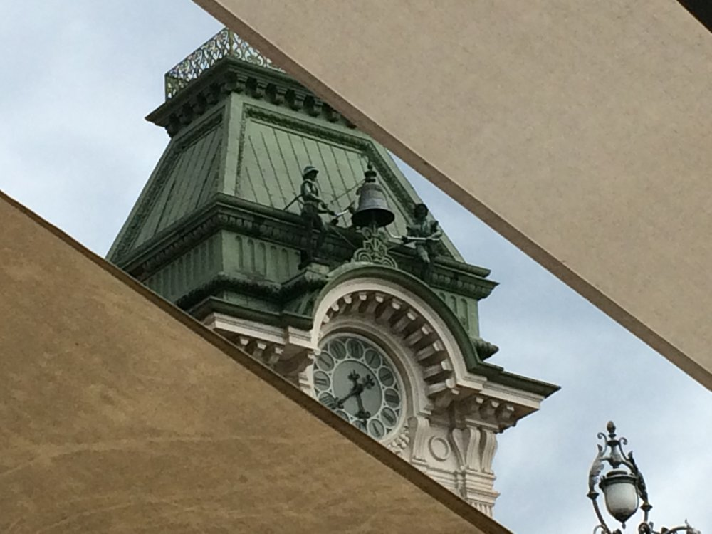 Peek of City Hall from Caffe Degli Specchi