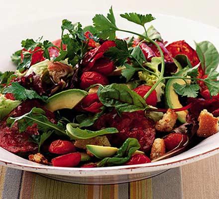 Salad with chorizo and avocado