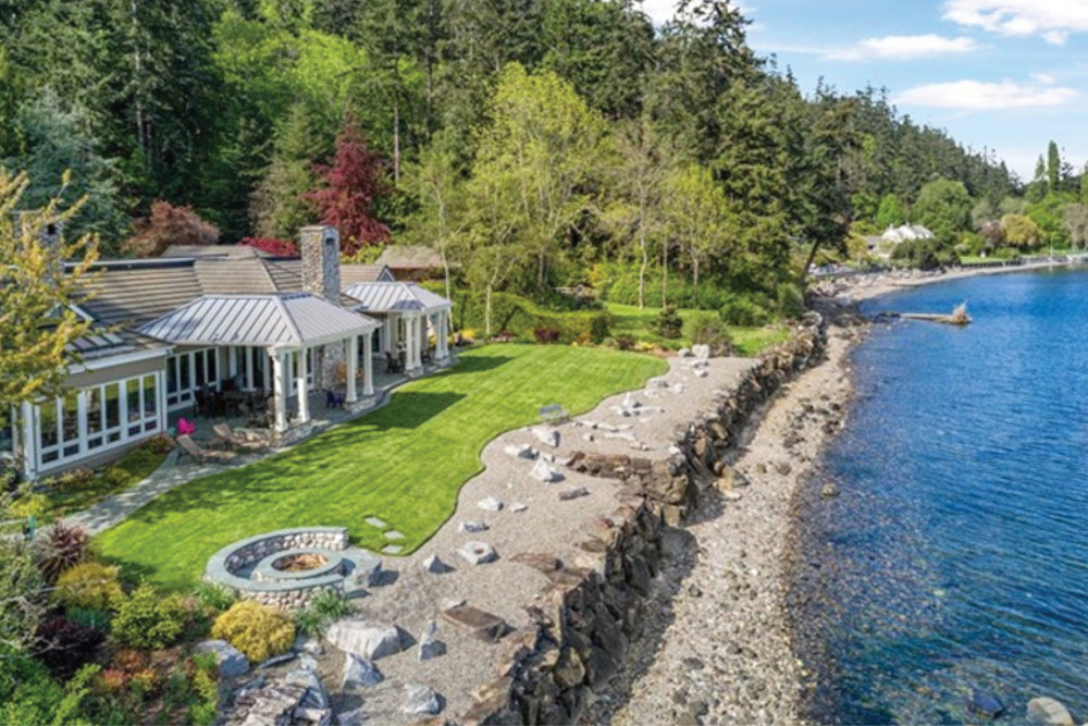 Bainbridge Island   |   Sold  for $3,800,000 June 2017