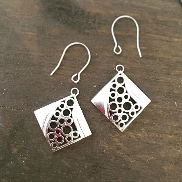 Bubble bubble... Bubble earrings in progress!  #artjewelry #oneofakind #benchjeweler #bubble #contemporaryjewelry #earrings #sterlinsilver #handmade
